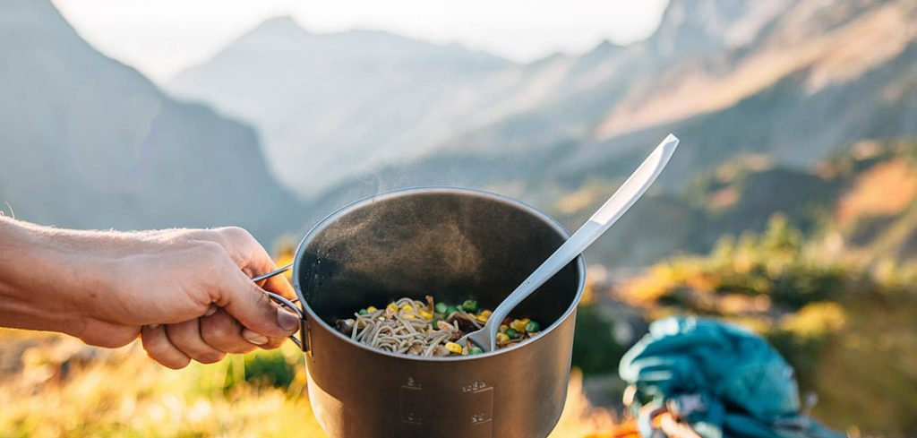 easy backpacking meal healthy